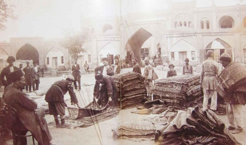 عصر قاجار، دلالی به جای تجارت