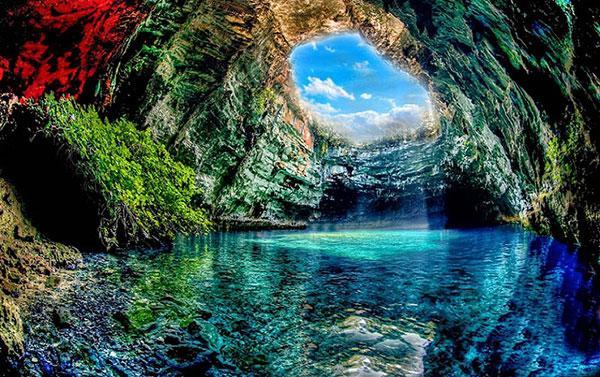 زلال ترین و زیباترین دریاچه های جهان