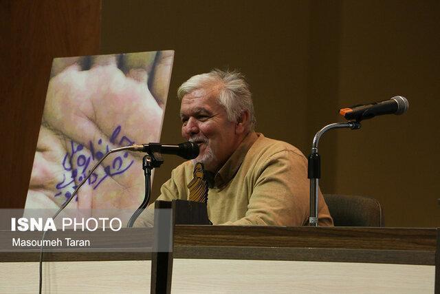 سمت و سوی شعر ایران رو به کمال است